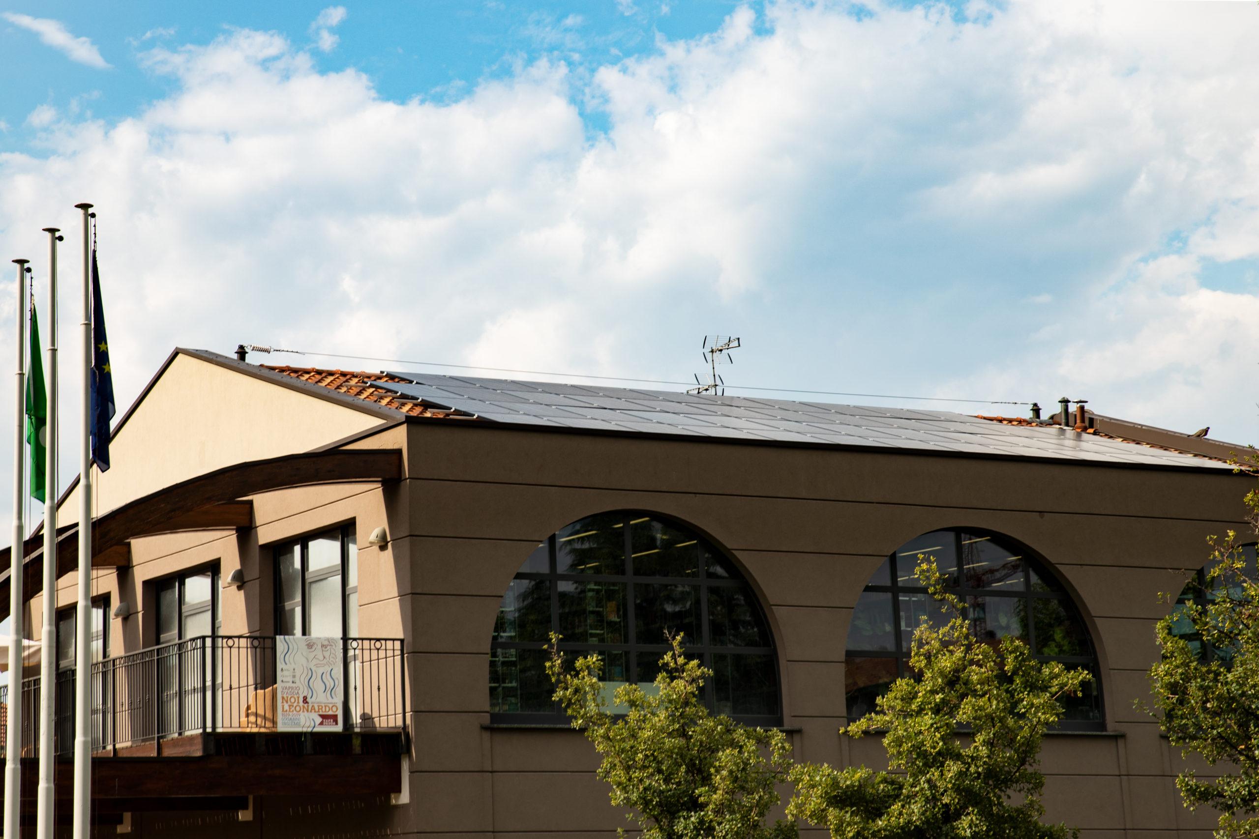 Installazione impianto fotovoltaico Mediateca Comune Vaprio d'Adda